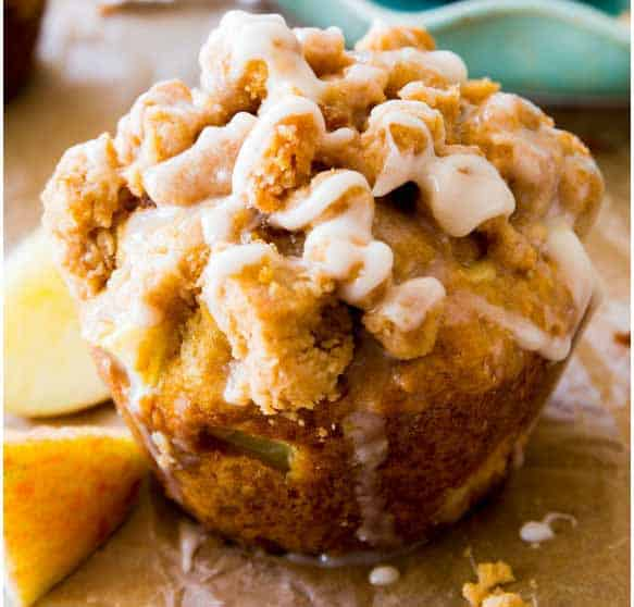 Apple-Crumb-Muffins
