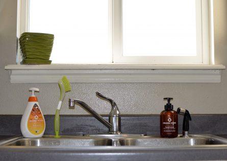 orange-cleaner-on-sink