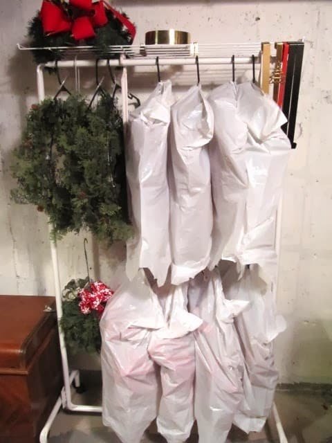 christmas-wreath-rack