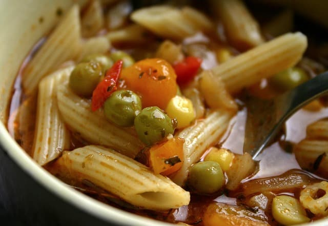ministrone soup budget friendly dinner
