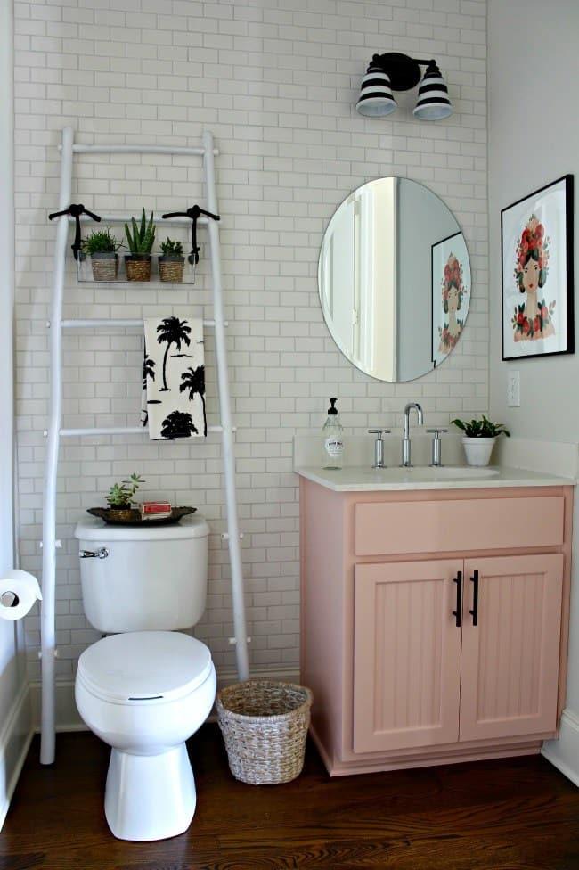 guest bathroom organization