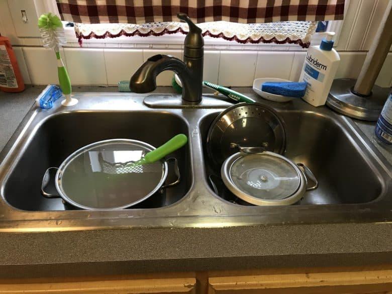 Soaking dishes