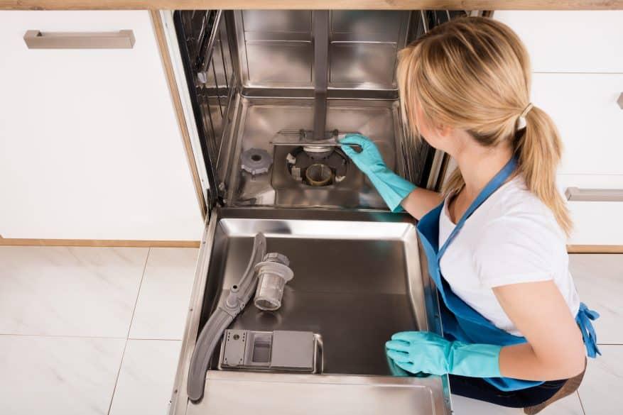 clean a dishwasher
