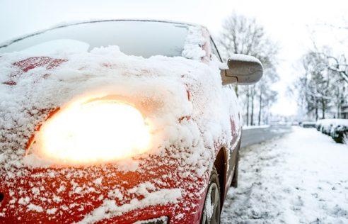 Car emergency in dangerous weather