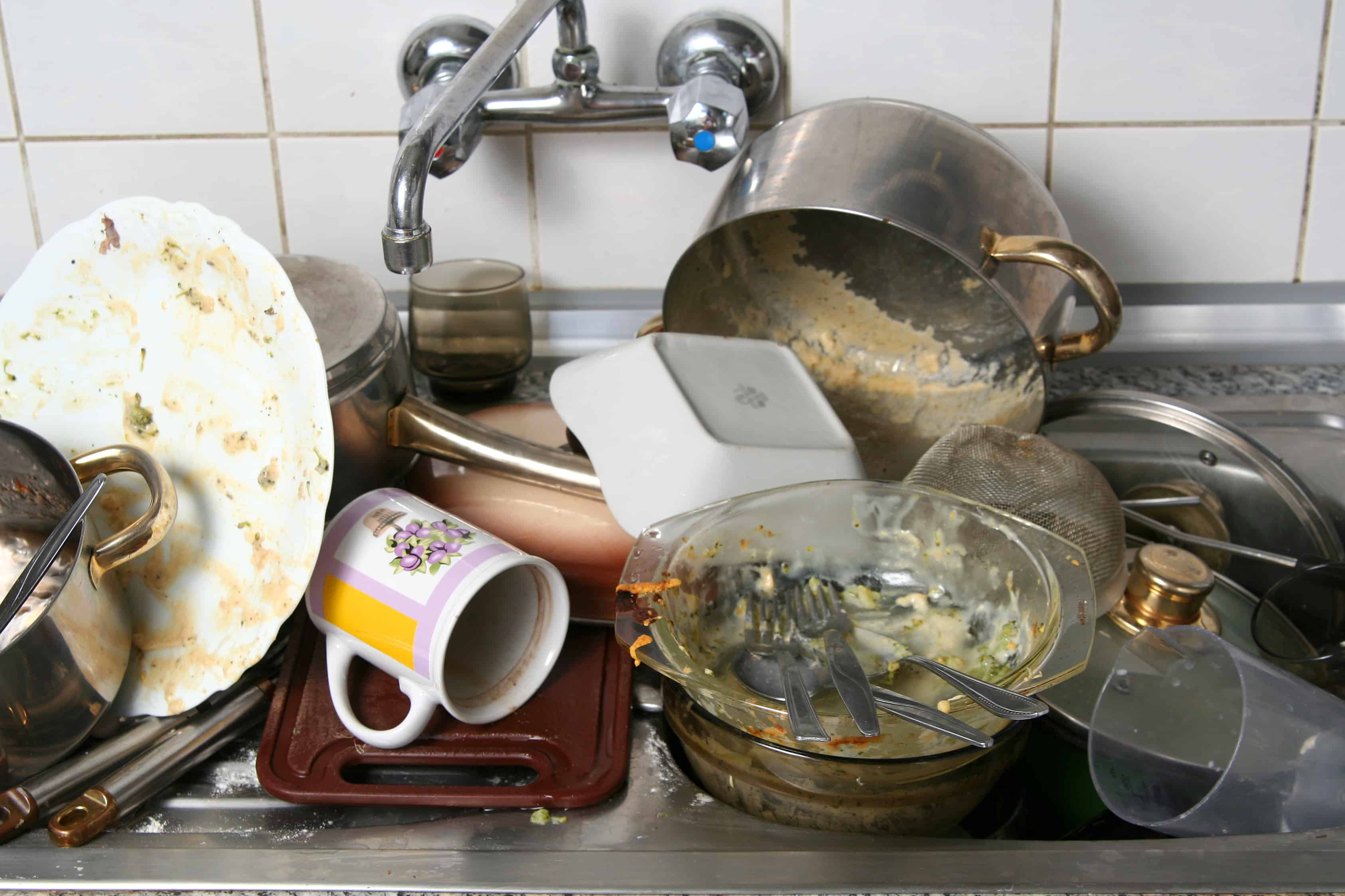 7 Tips for Creating Fewer Dirty Dishes - The Organized Mom