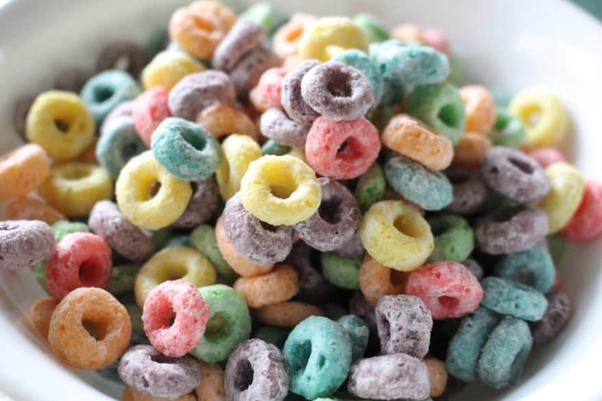 quiet activities for toddlers with fruit loops