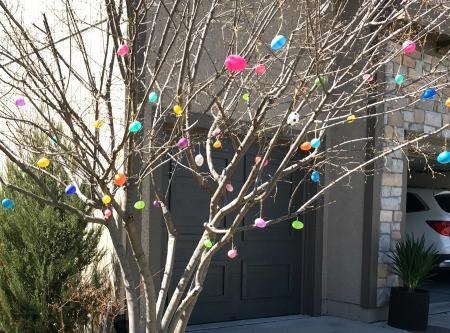 DIY Easter egg tree
