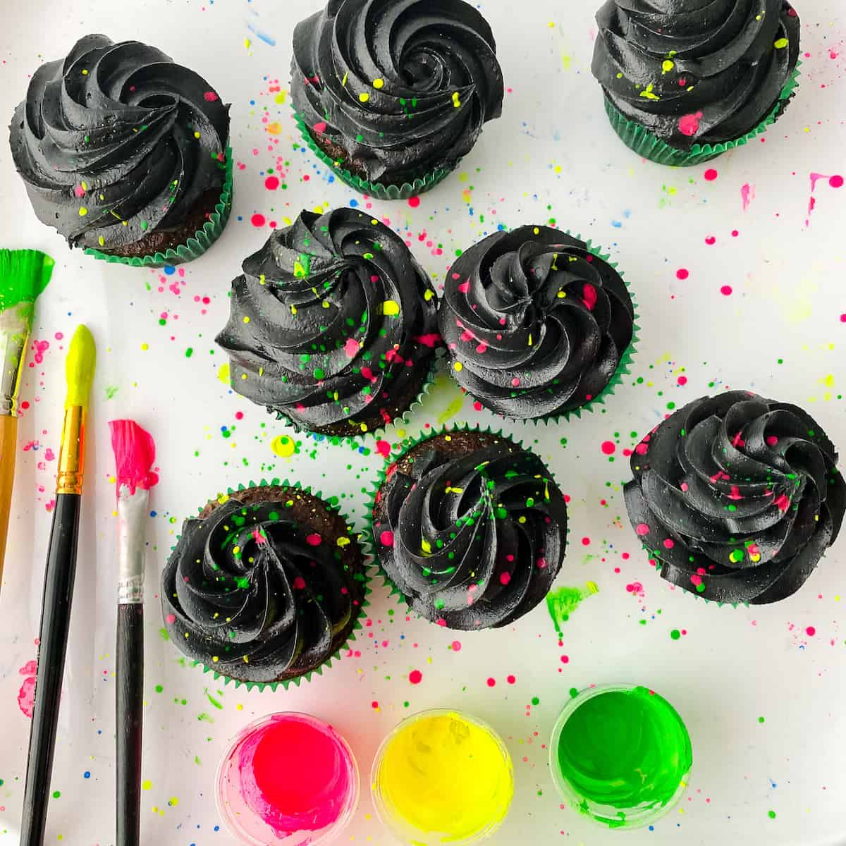 how to decorate cupcakes for glow party