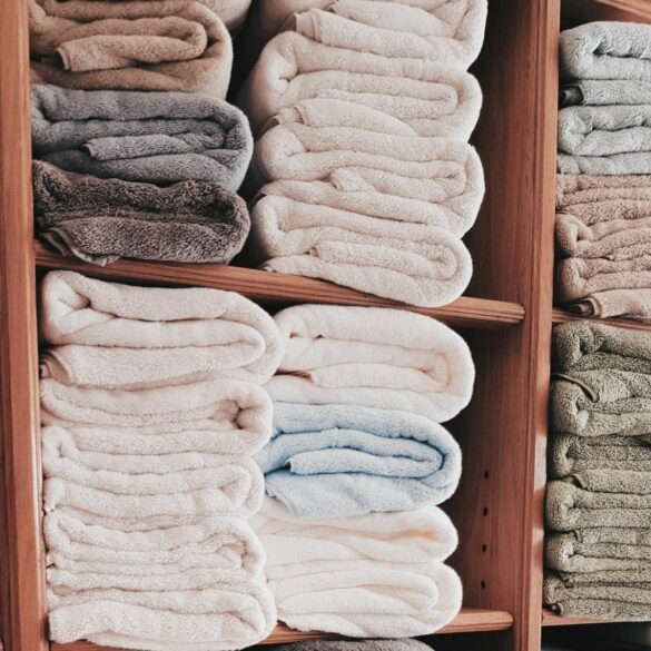 folded towels declutter before you move